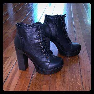 Qupid Heeled boots, size 6